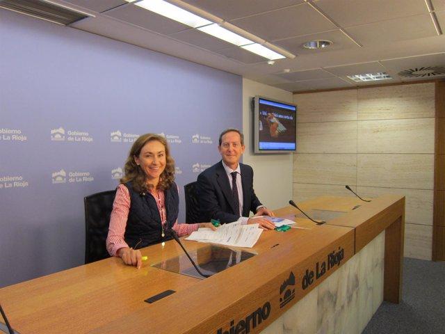 La consejera de Salud, María Martín, junto a Carlos Piserra