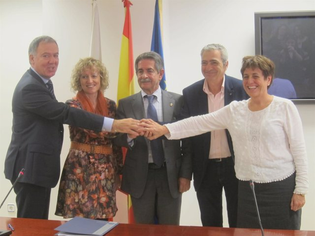 Firma del acuerdo del diálogo social y el desarrollo de Cantabria