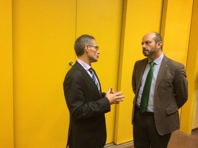 Pedro Rollán en su visita al Taller de Metro de Canillejas