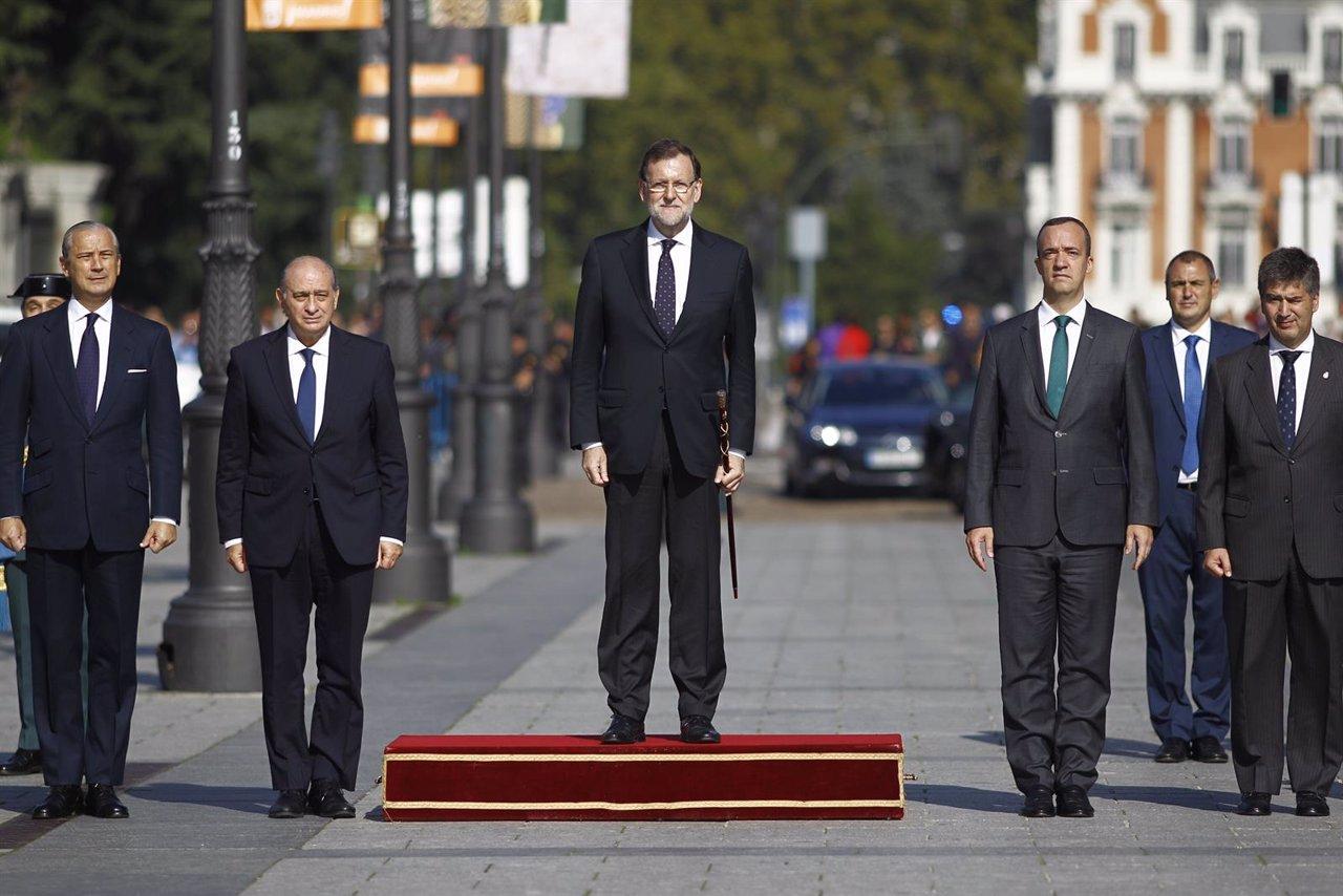 Mariano Rajoy en la entrega de la bandera nacional