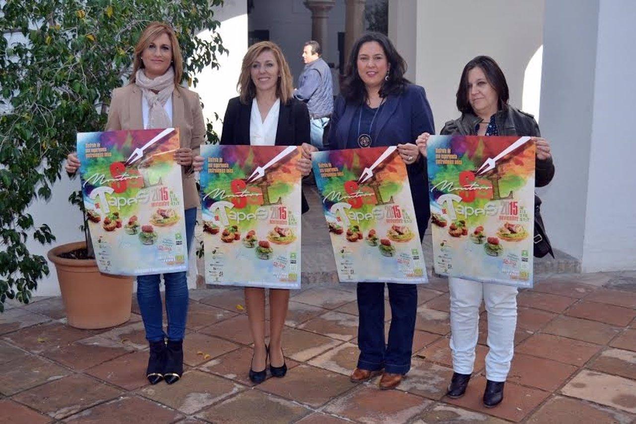 La diputada, Dolores Amo, junto a la alcaldesa de Montoro, presenta el cartel
