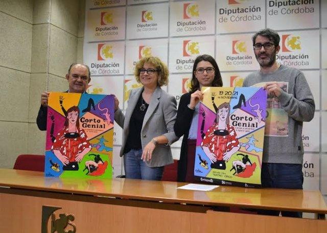 La delegada de Cultura, Marisa Ruz, presenta del cartel de Cortogenial 2015