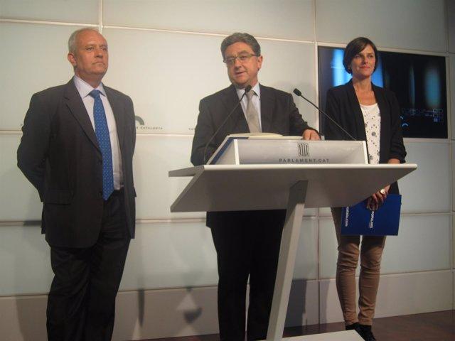 Rueda de prensa de Enric Millo (PP) junto a Sergi Rodríguez y Esperanza García