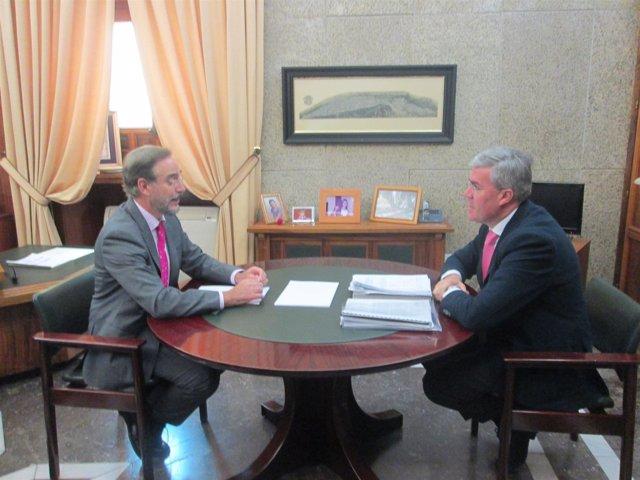 Reunión del alcalde de Jaén con el consejero de Fomento
