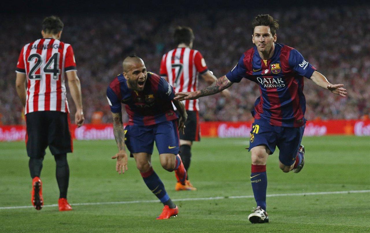 Messi marca en la final de Copa