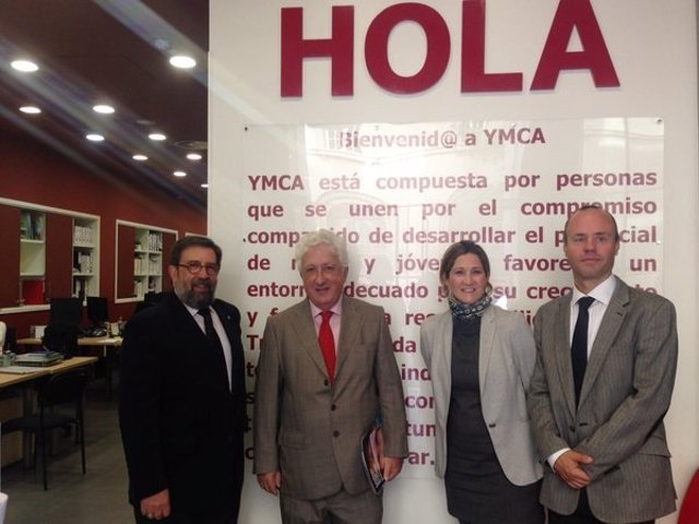 Reunión de el Justicia con representantes de YMCA.