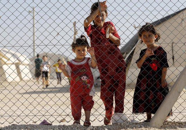 Refugiados yazidíes en un campamento de Turquía