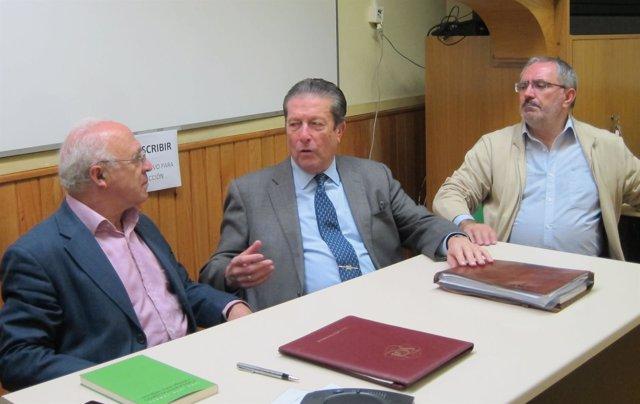 Mayor Zaragoza y Tamayo charlan junto a Carmelo Juárez