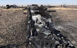 Las grabaciones de una caja negra confirman que hubo una explosión repentina antes de la caída del avión ruso