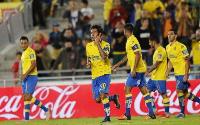 Araujo, de Las Palmas, celebra un gol ante la Real