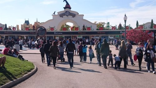 Parque Warner espera incrementar sus visitantes en 2016