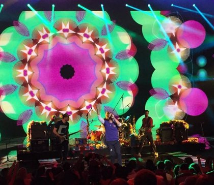 Vídeo: Coldplay tocan en directo Adventure of a lifetime por primera vez
