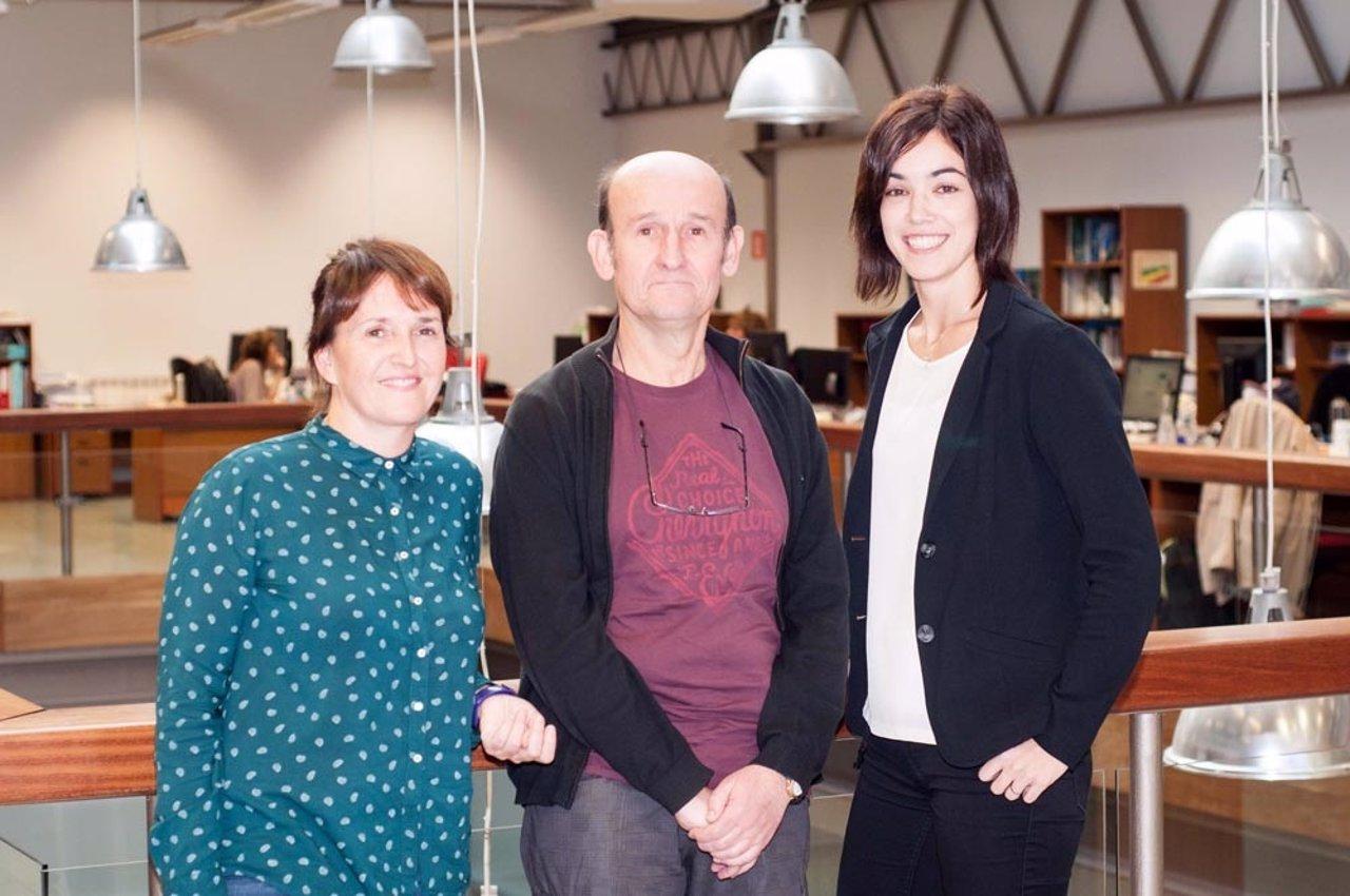 Ezkerretik eskuinera: Leire Cancio, Xabier Artola eta Itziar Cortés