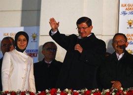 Davutoglu pide un sistema presidencial ejecutivo basado en la separación de poderes