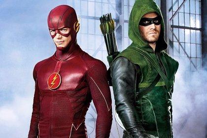 Primera imagen del crossover de The Flash y Arrow con Hawkgirl y Hawkman