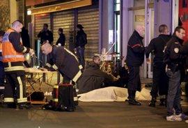 """Mandatarios latinoamericanos condenan la """"barbarie terrorista"""" tras los ataques de París"""