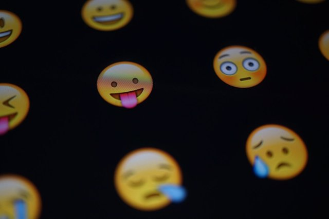 Emoji emojis emoticono emoticonos recurso