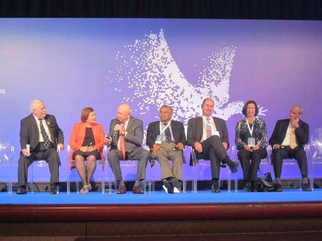 Cumbre de los Nobel de la Paz 2015 en Barcelona