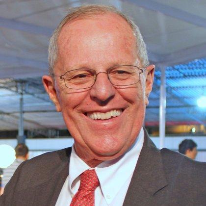 Precandidato a la Presidencia de Perú renuncia a la nacionalidad estadounidense