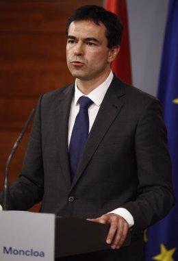 El portavoz de UPyD, Andrés Herzog, tras reunirse con Rajoy en Moncloa