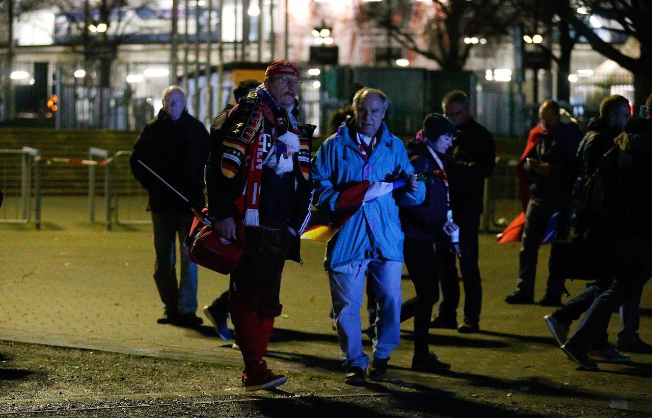 La policía desaloja el estadio de Hannover