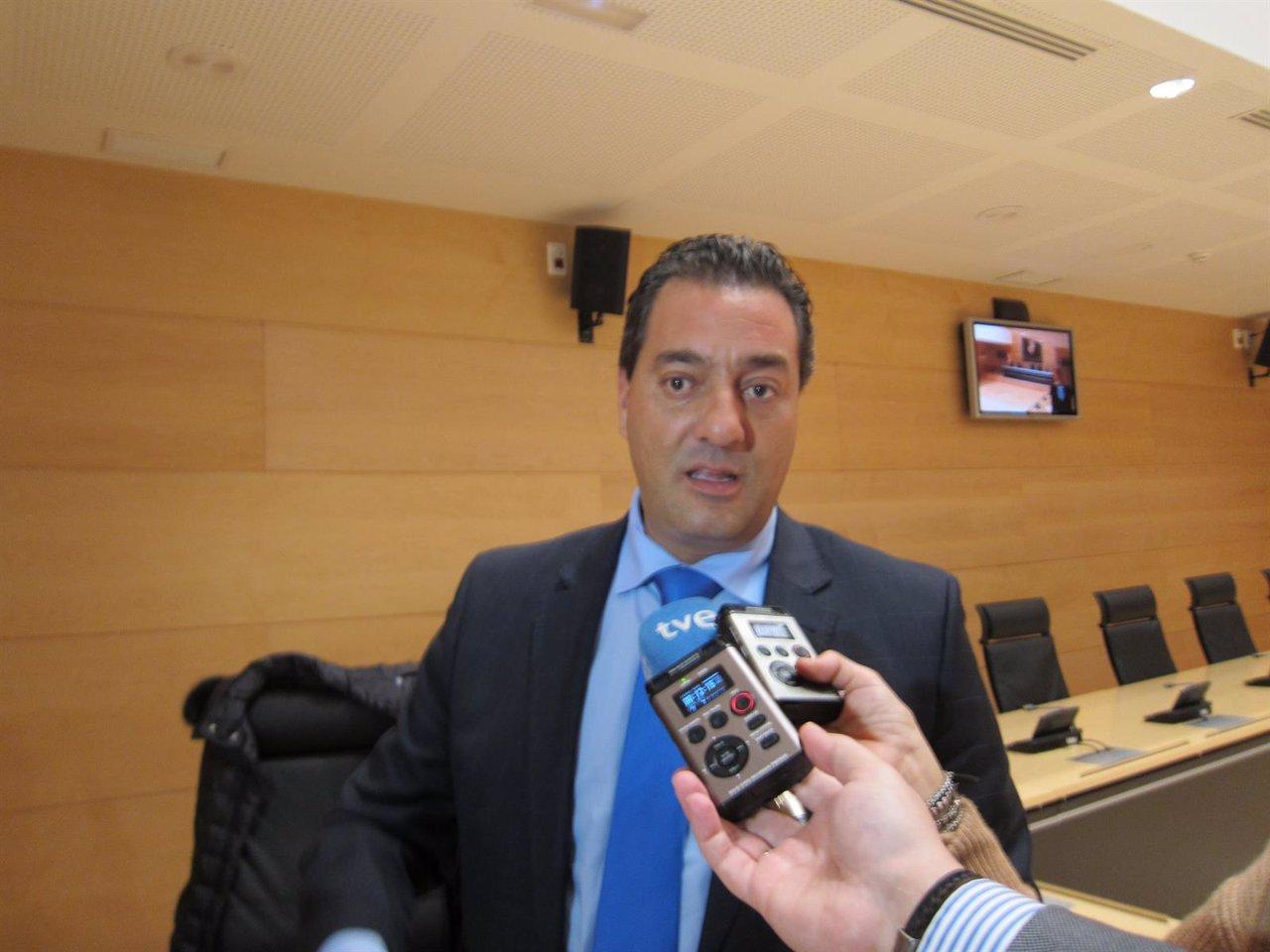 El procurador 'popular' Salvador Cruz