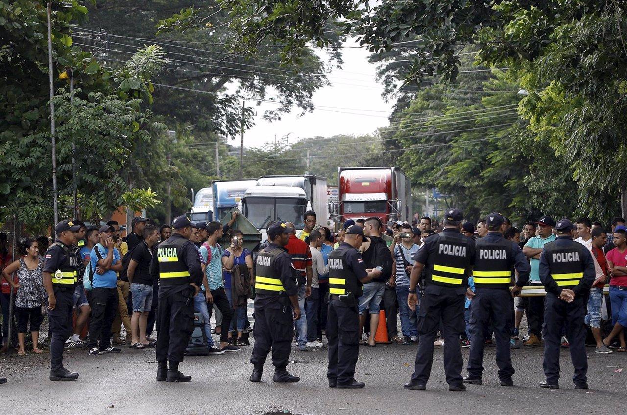 Cubanos en la frontera de Costa Rica y Nicaragua
