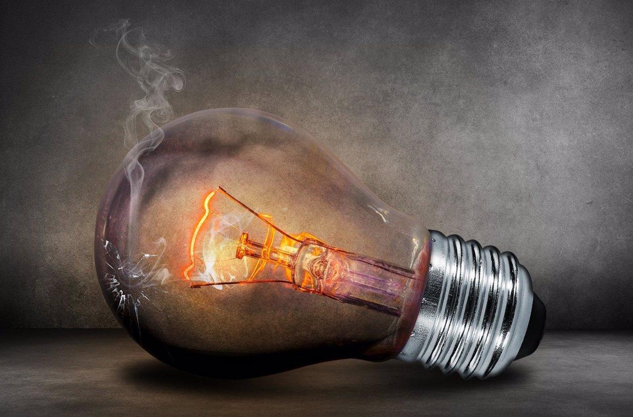 Bombilla luz energía