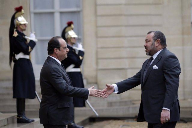 Hollande recibe a Mohamed VI en el Elíseo