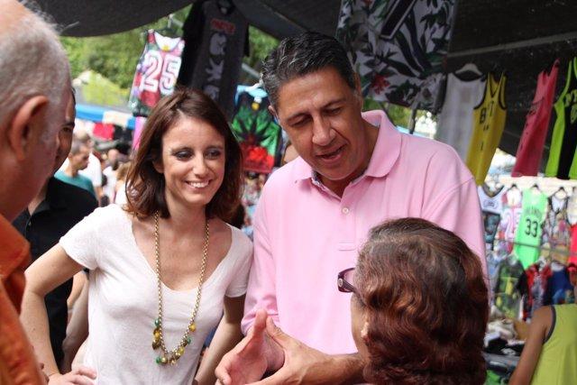 El candidato del PP, Xavier García Albiol, y Andrea Levy en Badalona
