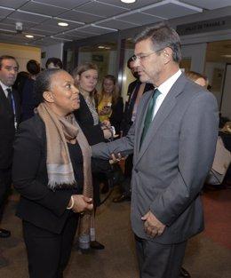 El ministro Catalá con su homóloga francesa