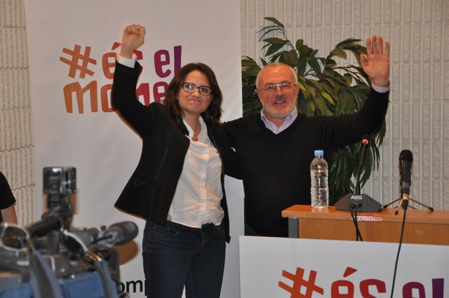 Oltra y Montiel en Alicante durante la presentación de És el Moment