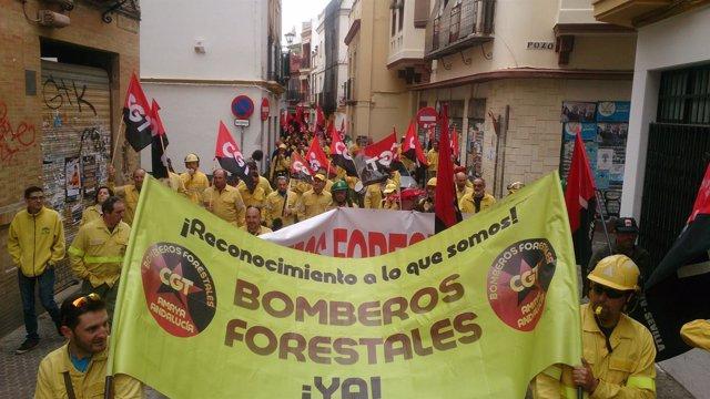 Manifestación protagonizada por Bomberos Forestales