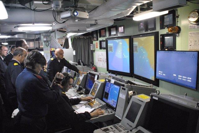La armada realiza ejercicio de lanzamiento de misiles antiaéreo