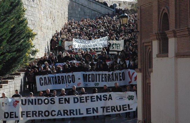 Manifestación en Teruel en defensa de la línea de ferrocarril.