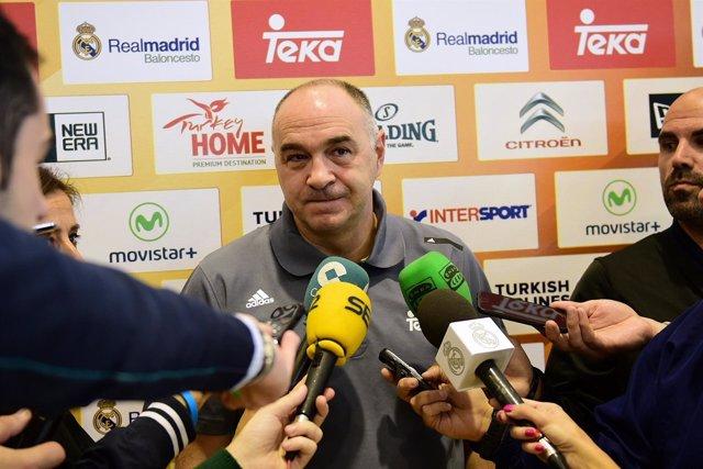 Pablo Laso en la rueda de prensa con los medios