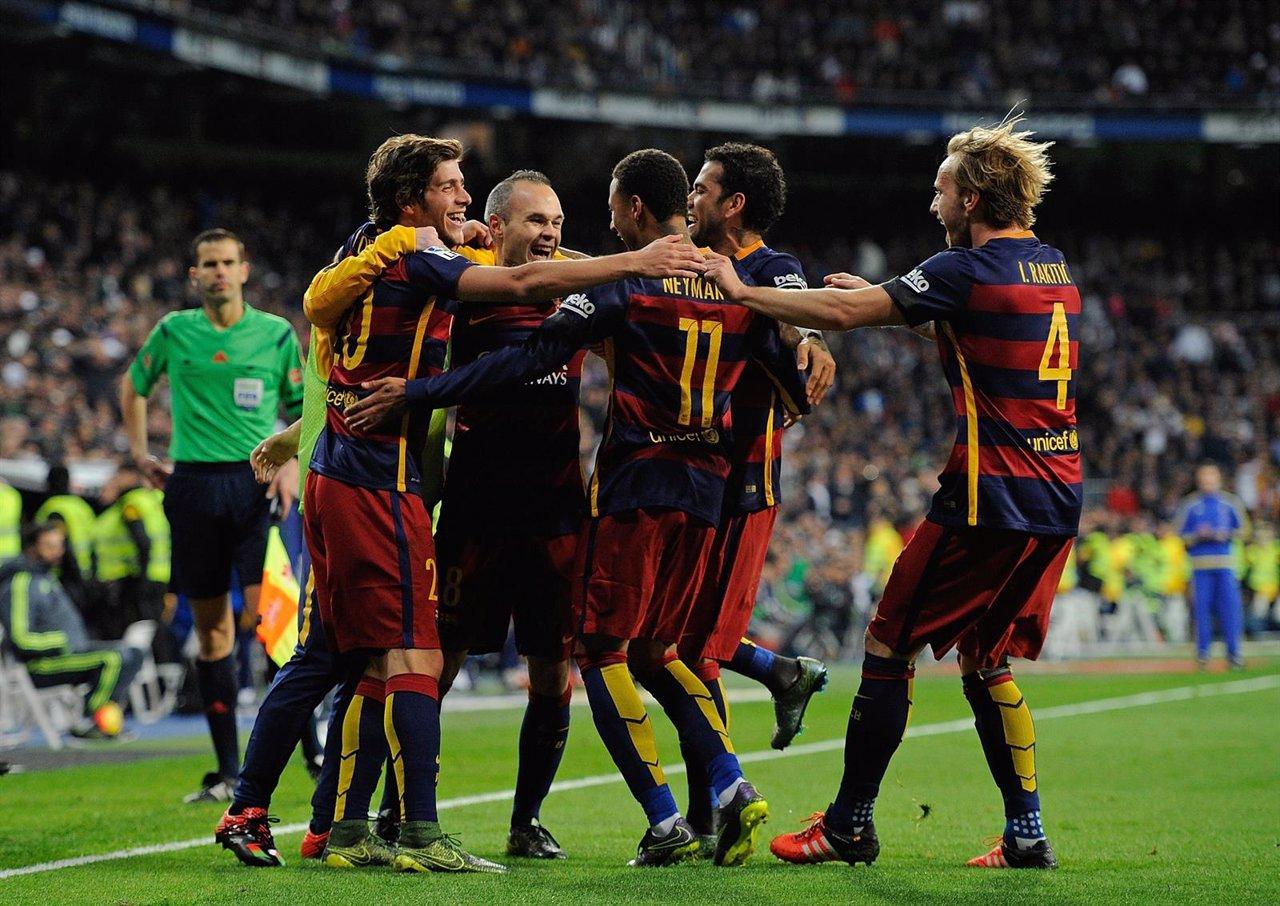 El FC Barcelona golea en el clásico del Bernabéu