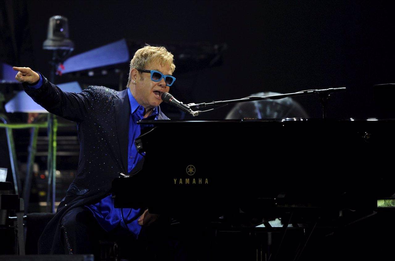 Elton John d