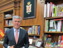 Fernández de Moya renuncia a la Alcaldía de Jaén para aspirar al Congreso