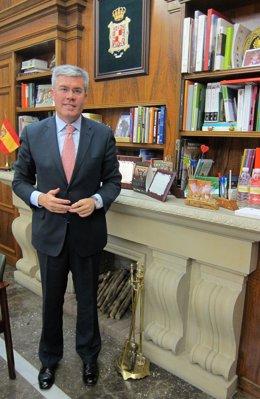 El alcalde de Jaén, José Enrique Fernández de Moya, en una imagen de archivo.
