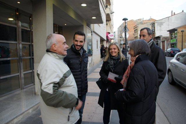 Los candidatos del PSOE están explicando su programa a los altoaragoneses