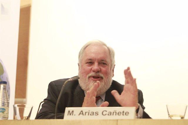 Miguel Arias Cañete en un encuentro de ESADE