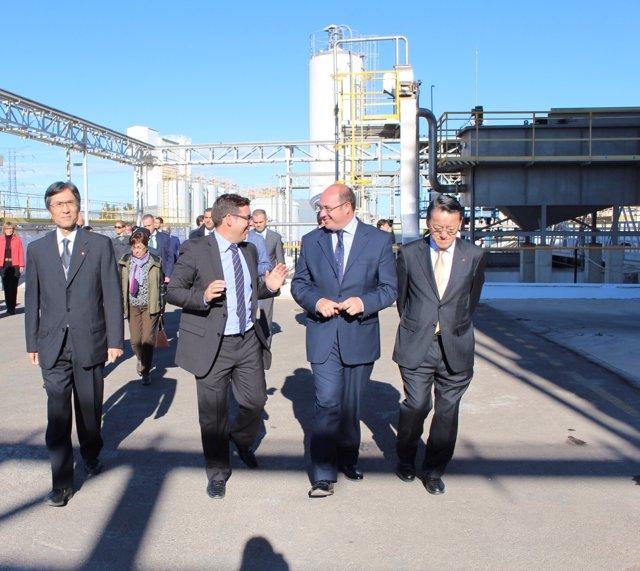 Sánchez visita la planta que la multinacional japonesa Takasago