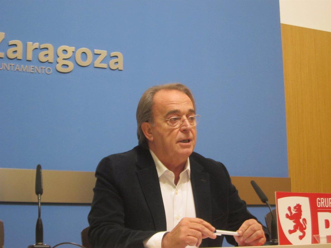 El portavoz socialista en el Ayuntamiento de Zaragoza, Carlos Pérez Anadón