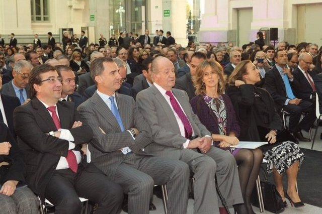 El Rey Felipe VI y el Rey Don Juan Carlos