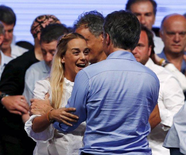 Macri festeja su victoria con Tintori