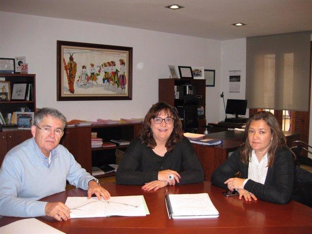 Mercedes Garrido en la reunión con la alcaldesa