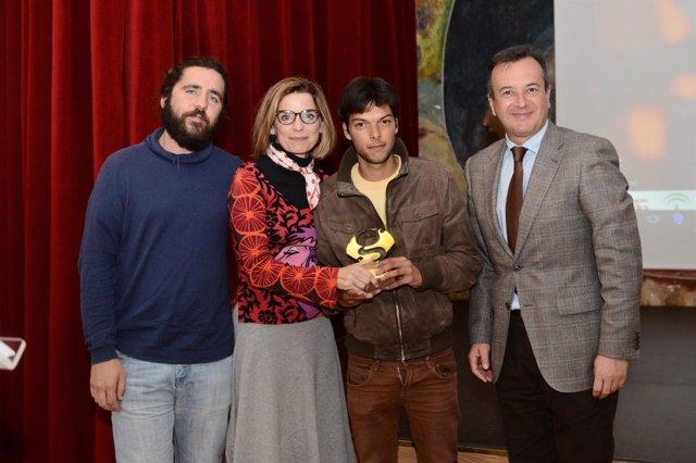 Ganador del premio Tikinó en su edición de 2015.