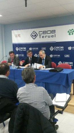 Guillén se reúne con empresarios de Teruel