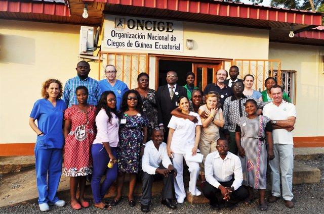 Los integrantes de la Fundación La Arruzafa, antes de regresar de Malabo